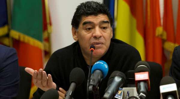 https: img-o.okeinfo.net content 2017 11 15 51 1814564 diego-maradona-ingin-kembali-latih-timnas-argentina-cTEiGwNDd0.jpg