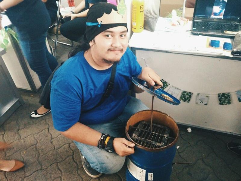 https: img-o.okeinfo.net content 2017 11 24 65 1820071 eco-compost-bin-tong-sampah-karya-mahasiswa-yang-bisa-hasilkan-pupuk-kompos-DhsEktHYex.jpg