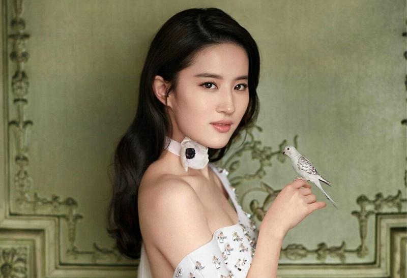 https: img-o.okeinfo.net content 2017 11 30 206 1823103 kekasih-song-seung-hun-liu-yifei-didapuk-perankan-tokoh-utama-di-live-action-mulan-qFDzUuGkZF.jpg
