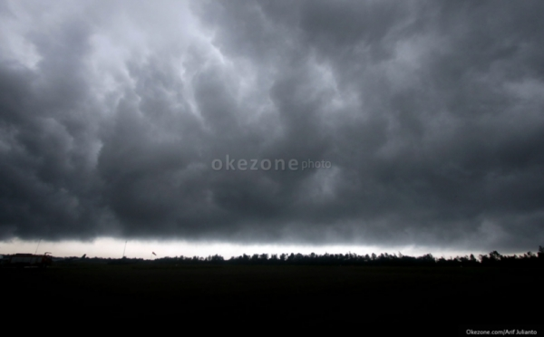https: img-o.okeinfo.net content 2017 12 04 337 1825084 ini-daerah-rawan-cuaca-ekstrem-3-hari-ke-depan-Ww09L0Gwzc.jpg