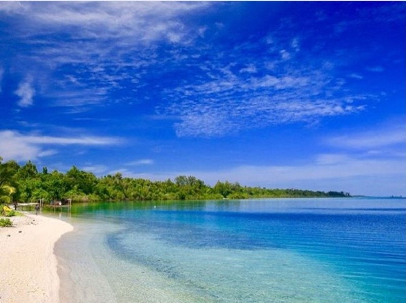 https: img-o.okeinfo.net content 2017 12 05 406 1825628 terhipnotis-pesona-jelmaan-maldives-pulau-widi-di-halmahera-selatan-VObnZh5kbp.jpg