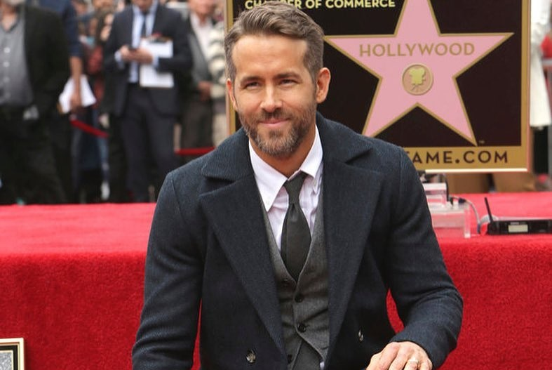 https: img-o.okeinfo.net content 2017 12 07 206 1826685 ryan-reynolds-pastikan-main-di-live-action-film-pokemon-detective-pikachu-I9ubV9RHfF.jpg