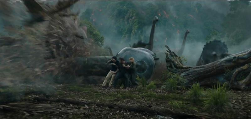 https: img-o.okeinfo.net content 2017 12 08 206 1827291 reuni-owen-dan-blue-hingga-letusan-gunung-di-trailer-jurassic-world-fallen-kingdom-FjrPWiZMnH.jpg