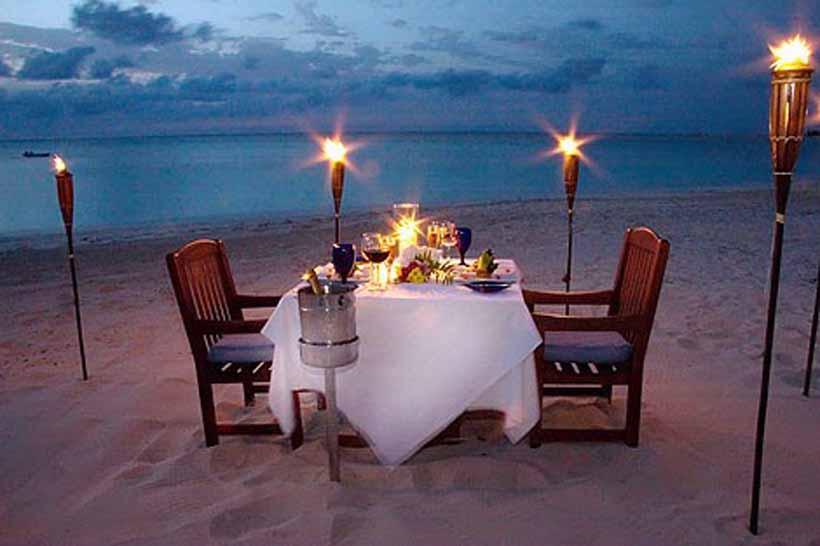 https: img-o.okeinfo.net content 2017 12 08 298 1827243 ingin-ajak-pasangan-dinner-romantis-tapi-lagi-bokek-ikuti-6-trik-ini-ZL3ksI2OiA.jpg