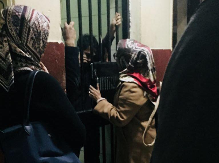 https: img-o.okeinfo.net content 2017 12 09 18 1827790 dua-pekan-ditahan-mahasiswa-indonesia-dideportasi-dari-mesir-nTZDVPx12i.jpeg