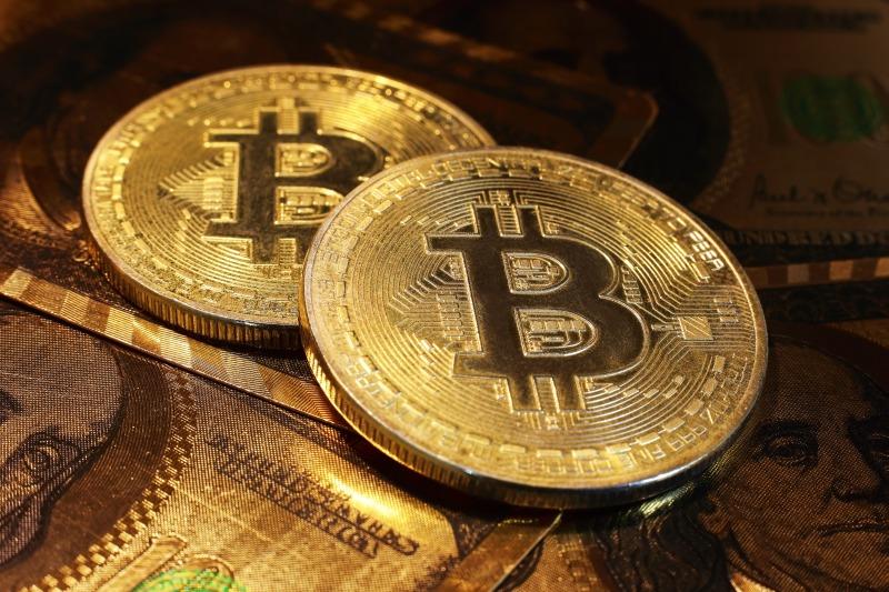 https: img-o.okeinfo.net content 2017 12 15 320 1830837 punya-bitcoin-sejak-2013-berarti-anda-sudah-untung-1-550-7G8GY7119j.jpg