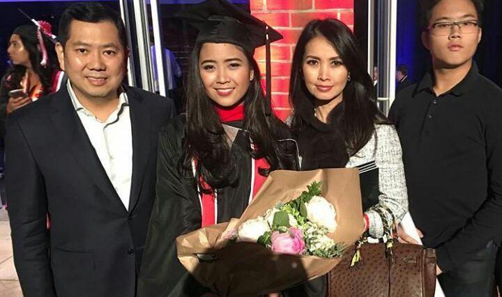 https: img-o.okeinfo.net content 2017 12 17 337 1831748 jessica-tanoesoedibjo-dapat-gelar-master-degree-keduanya-630z8fFxNM.jpg
