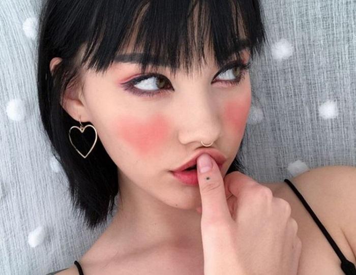 https: img-o.okeinfo.net content 2017 12 18 194 1832028 trik-aplikasikan-blush-on-gambar-hati-jadi-tren-kecantikan-menggemaskan-berani-coba-dOhuFiqfgJ.jpg