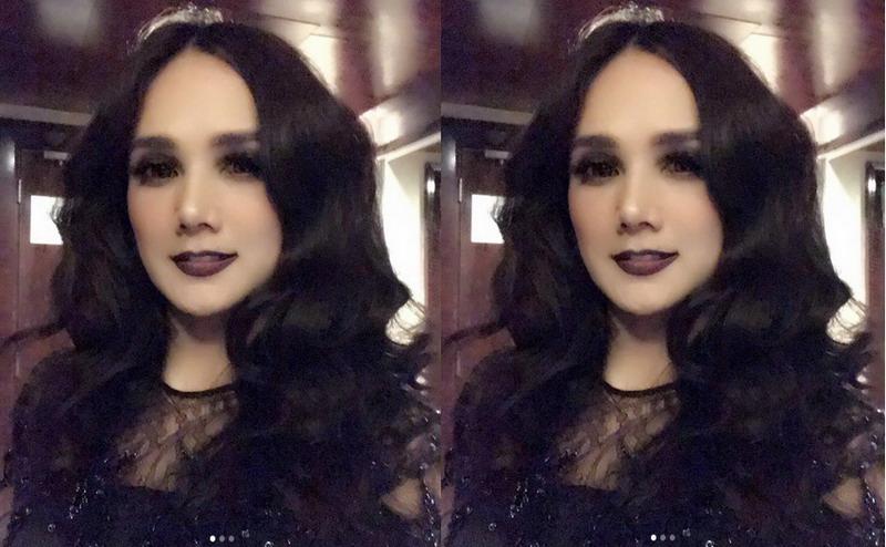 https: img-o.okeinfo.net content 2018 01 02 33 1838881 make-up-dinilai-seram-mulan-jameela-ini-style-gothic-iaXFa1OoR9.jpg