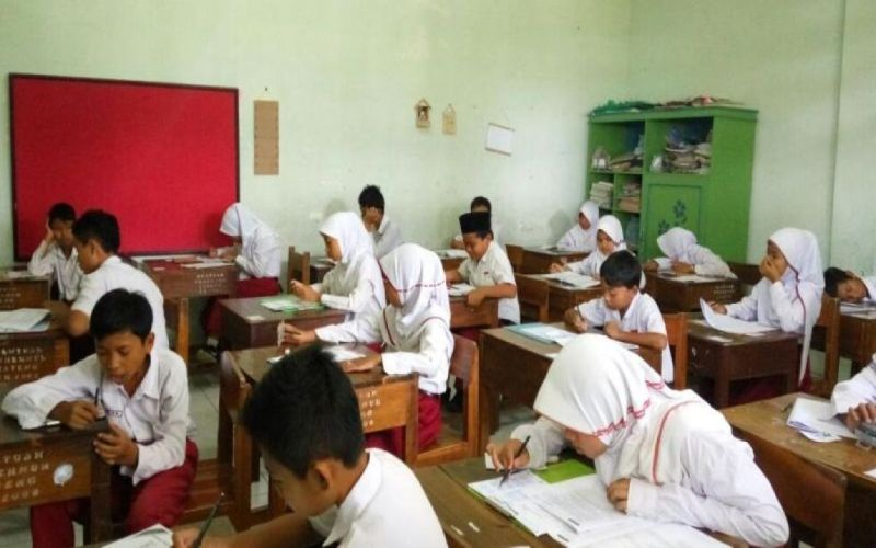 https: img-o.okeinfo.net content 2018 01 05 65 1840422 14-sekolah-dasar-di-yogyakarta-ditargetkan-ikut-program-madrasah-diniyah-2018-Vy7XsmfSJV.jpg