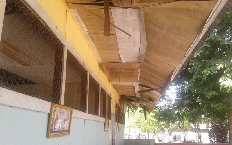 https: img-o.okeinfo.net content 2018 01 05 65 1840619 miris-puluhan-tahun-sekolah-ini-dibiarkan-rusak-parah-rryuxKFKYm.jpg