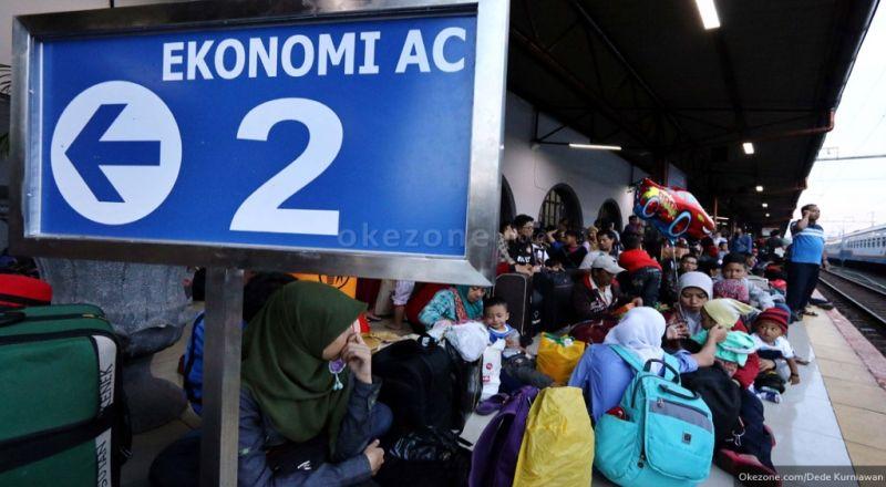 https: img-o.okeinfo.net content 2018 01 09 320 1842150 4-87-juta-penumpang-diberangkatkan-kai-selama-liburan-paling-banyak-pada-1-januari-XALyKaFULk.jpg