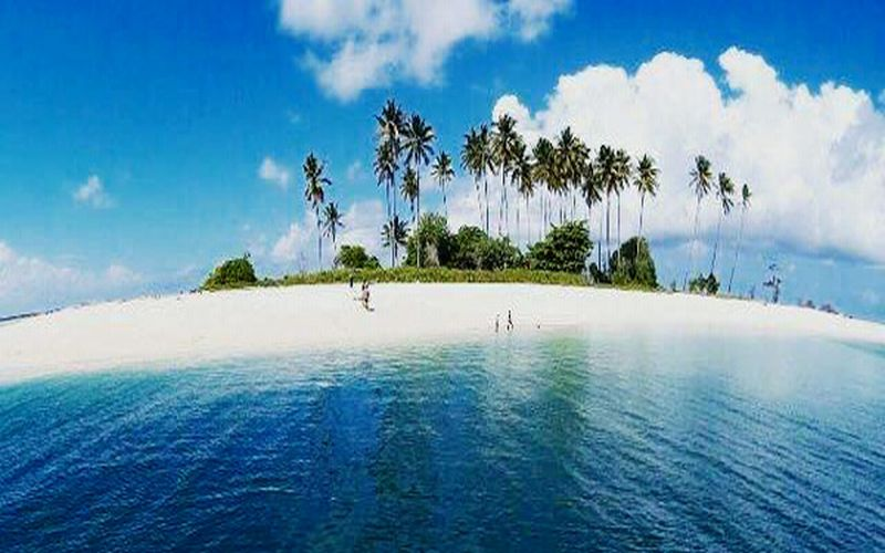 https: img-o.okeinfo.net content 2018 01 10 406 1843070 kecantikan-pulau-manimbora-misteri-tumpukan-tulang-belulang-manusia-q74CN29MlY.jpg