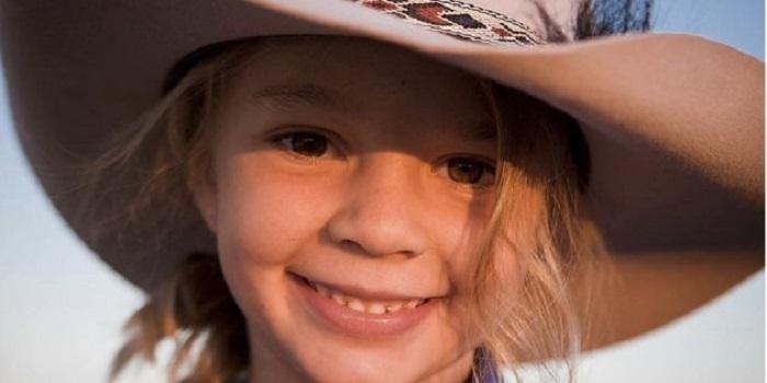 https: img-o.okeinfo.net content 2018 01 11 196 1843530 putrinya-bunuh-diri-orangtua-model-cilik-di-australia-minta-pem-bully-hadiri-pemakaman-q4Xvw4ScQM.jpg