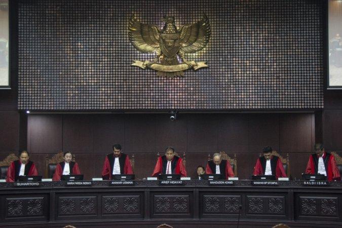 https: img-o.okeinfo.net content 2018 01 11 337 1843737 putusan-mk-terkait-uu-pemilu-tegaknya-keadilan-tak-rasional-hingga-beda-pendapat-hakim-0nMeB82xiP.jpg