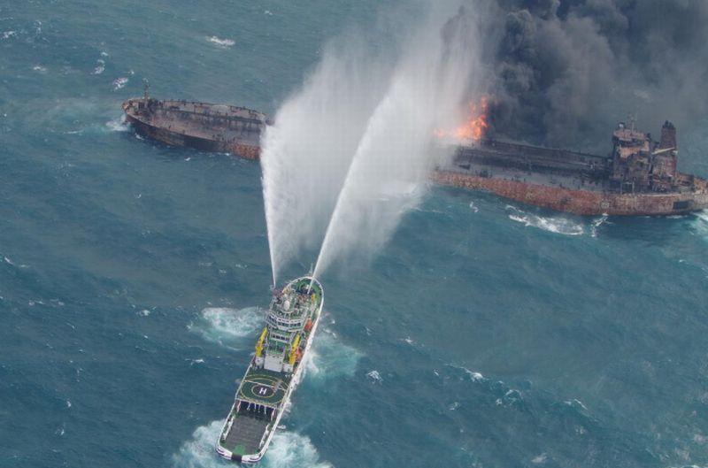 https: img-o.okeinfo.net content 2018 01 13 18 1844494 otoritas-china-temukan-2-jasad-di-kapal-tanker-yang-masih-terbakar-RXgfz29zMo.jpg