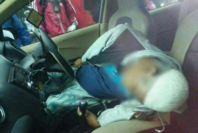 https: img-o.okeinfo.net content 2018 01 13 519 1844509 dikira-tidur-seorang-sopir-ditemukan-tewas-terkunci-di-dalam-mobil-lgnZIG4YyK.jpg