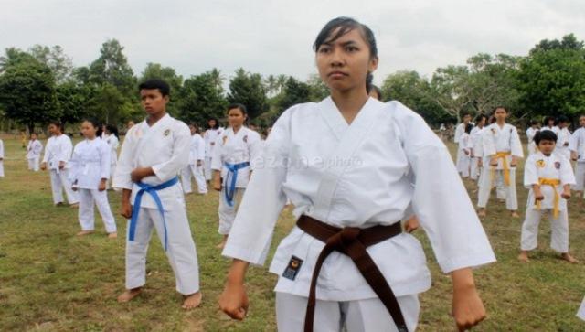 https: img-o.okeinfo.net content 2018 01 14 43 1844654 7-karateka-nasional-bakal-tampil-dalam-kejuaraan-di-prancis-nRJL5mJbNZ.jpg