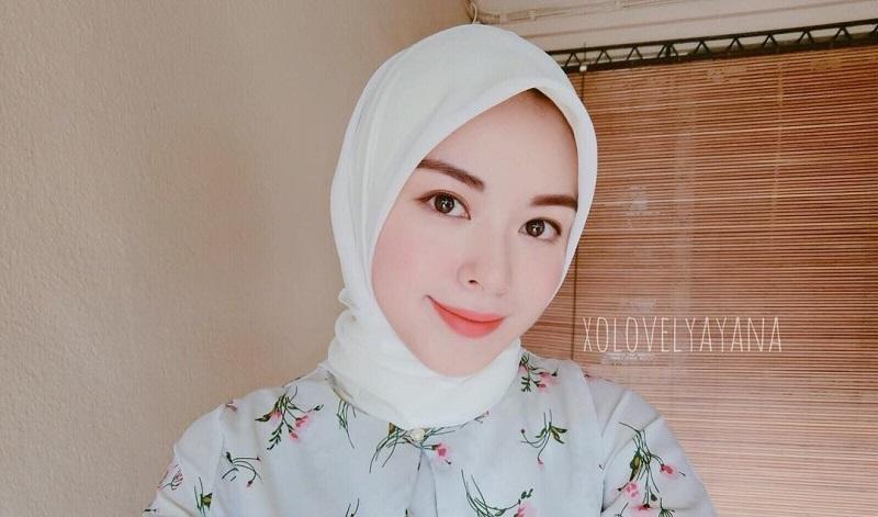 https: img-o.okeinfo.net content 2018 01 15 194 1845222 intip-gaya-hijab-ayana-jihye-moon-mualaf-eks-girlband-korea-yang-lagi-liburan-ke-jakarta-JAX8dll1Ta.jpg