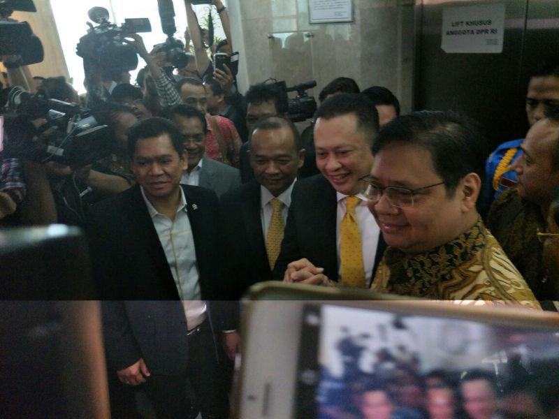 https: img-o.okeinfo.net content 2018 01 15 337 1844952 bambang-soesatyo-resmi-ditunjuk-golkar-jadi-ketua-dpr-hGytFuaj1O.jpg