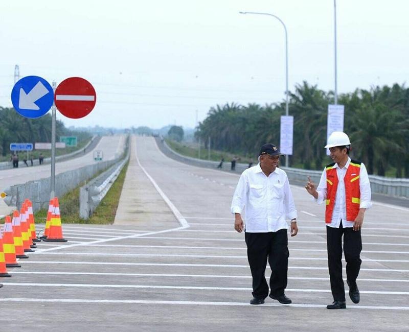 https: img-o.okeinfo.net content 2018 01 20 320 1847794 presiden-jokowi-akan-resmikan-tol-trans-sumatera-besok-AsHSLwnAOJ.jpg