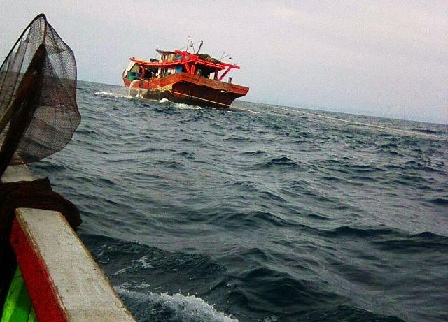 https: img-o.okeinfo.net content 2018 01 24 340 1849836 puluhan-kapal-pukat-trawl-beraksi-di-laut-nelayan-minta-pemerintah-bertindak-L1LiHFLTbH.jpg