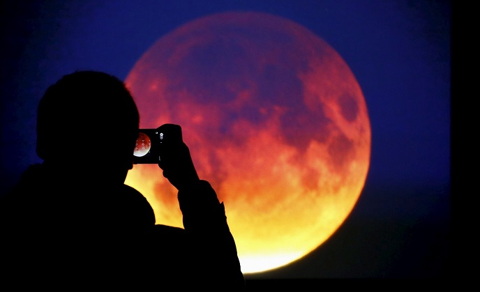 https: img-o.okeinfo.net content 2018 02 01 56 1853066 4-potret-terbaik-gerhana-super-blue-blood-moon-dari-berbagai-negara-ZgfUbNFY4c.jpg