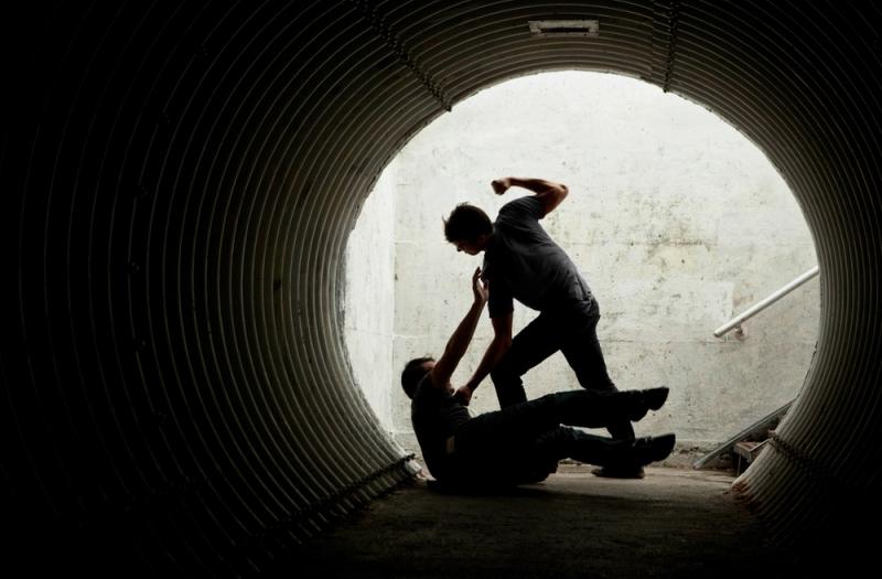 https: img-o.okeinfo.net content 2018 02 02 519 1854047 penganiaya-guru-hingga-tewas-di-sampang-masih-bisa-ikut-ujian-nasional-lAeiE661SS.jpg
