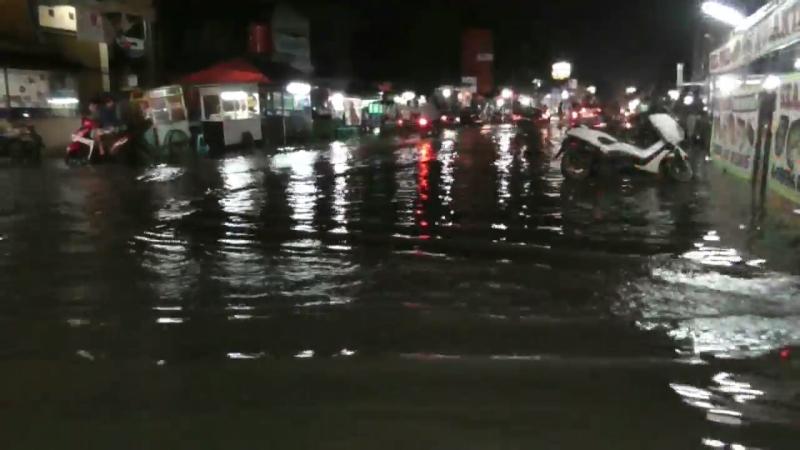 https: img-o.okeinfo.net content 2018 02 06 338 1855219 banjir-rendam-perumahan-pondok-ungu-bekasi-zUeS6rTukA.jpg