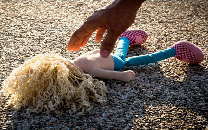 https: img-o.okeinfo.net content 2018 02 07 196 1855931 orangtua-asuh-menyentuh-anak-angkatnya-bentuk-pelecehan-seksual-SSfAeo8nL0.jpg