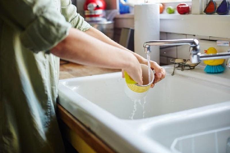 https: img-o.okeinfo.net content 2018 02 08 298 1856363 5-tips-membersihkan-dan-merawat-peralatan-dapur-agar-tahan-lama-s9Gv6AcWmW.jpg