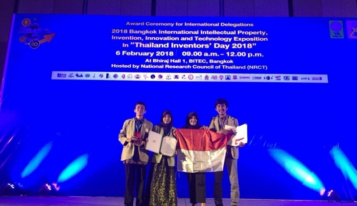 https: img-o.okeinfo.net content 2018 02 08 65 1856654 tim-ugm-raih-medali-emas-dalam-ajang-internasional-di-thailand-1ZZJnLYm8M.jpg