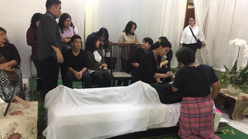 https: img-o.okeinfo.net content 2018 02 10 33 1857568 jenazah-advent-bangun-dimakamkan-besok-PoBP3d4HIp.jpg