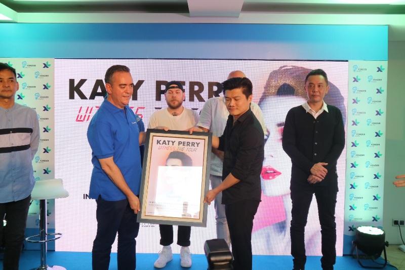 https: img-o.okeinfo.net content 2018 02 12 205 1858577 katy-perry-bakal-ke-indonesia-lesti-bakal-tunjukkan-hal-spesial-saat-bertemu-dS1MiBXnOr.jpg