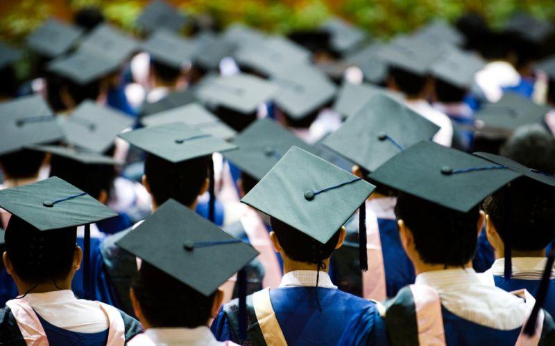 https: img-o.okeinfo.net content 2018 02 13 65 1859042 akreditas-kampus-mati-mahasiswa-unsrat-batal-diwisuda-lIizmSfdLd.jpg