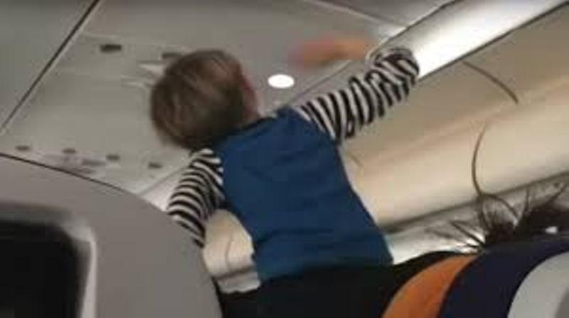 https: img-o.okeinfo.net content 2018 02 15 18 1860299 bocah-ini-ganggu-penerbangan-maskapai-lufthansa-selama-8-jam-cbIHFxLVTv.jpg