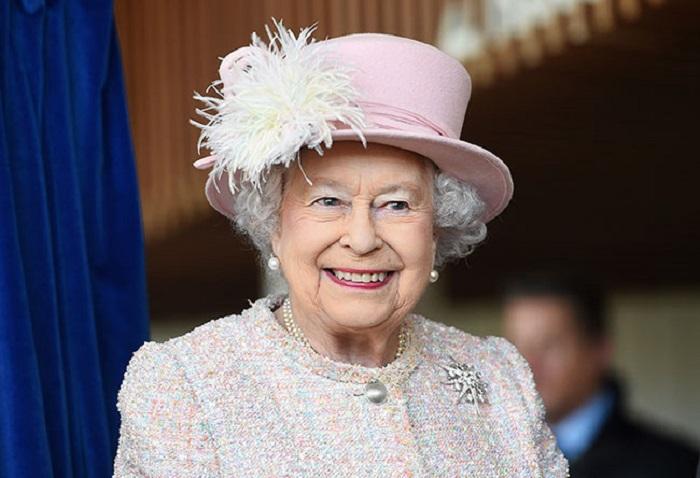 https: img-o.okeinfo.net content 2018 02 15 196 1860170 ratu-elizabeth-ii-larang-penggunaan-plastik-di-lingkungan-kerajaan-inggris-otj1tAE02k.jpg
