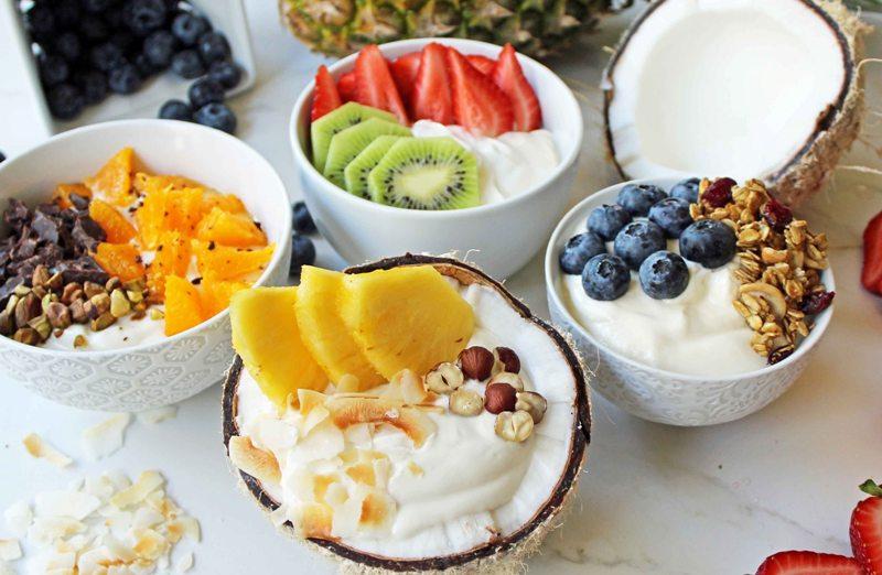 https: img-o.okeinfo.net content 2018 02 18 298 1861233 ini-alasan-yogurt-layak-jadi-camilan-sehat-anda-2LN03Qw5WG.jpg