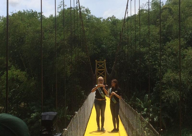 https: img-o.okeinfo.net content 2018 02 19 194 1861475 4-tahun-dibangun-begini-kabar-golden-bridge-dari-bwp-miss-indonesia-2014-di-lebak-d5Z4DJlJK2.jpeg