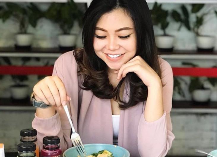 https: img-o.okeinfo.net content 2018 02 20 194 1861937 aldella-prakawardhani-handoyo-calon-miss-indonesia-2018-asal-sulawesi-tengah-yang-doyan-olahraga-h7u2LoU7kB.jpg