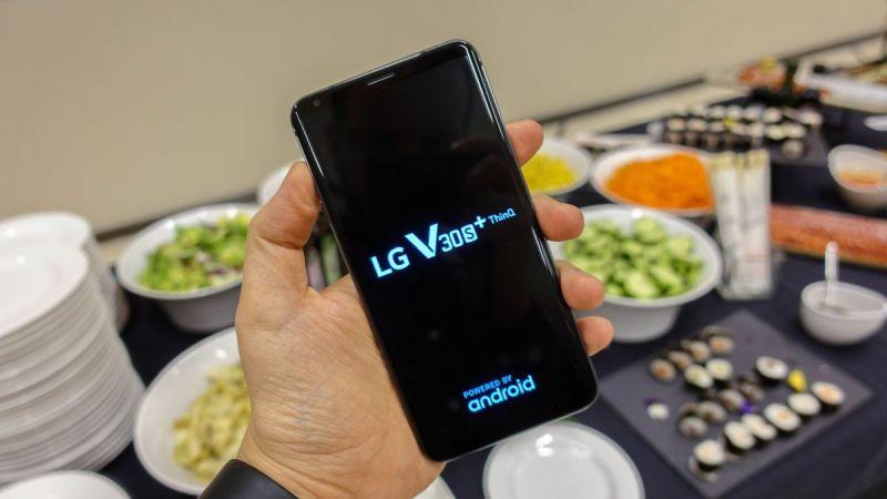 https: img-o.okeinfo.net content 2018 02 26 57 1864960 debut-lg-v30sthinq-smartphone-dengan-teknologi-ai-B4YybMLin7.jpg