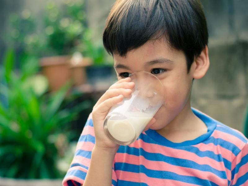 https: img-o.okeinfo.net content 2018 02 28 481 1866167 kaya-nutrisi-benarkah-minum-susu-bantu-tubuh-tumbuh-tinggi-Xg6chlp1Pc.jpg