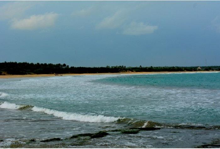 https: img-o.okeinfo.net content 2018 03 02 406 1867208 indahnya-pantai-binuangeun-yang-punya-pelelangan-ikan-terbesar-di-lebak-banten-Vhfe9LZa8P.jpg