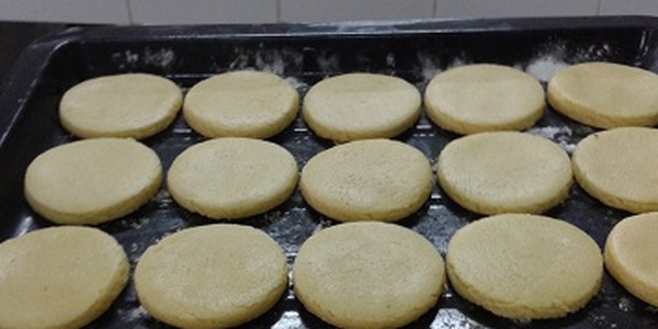 https: img-o.okeinfo.net content 2018 03 06 65 1868617 cookies-ala-mahasiswa-ipb-ini-dapat-perlambat-penuaan-untuk-lansia-W3EPnahZRQ.jpg