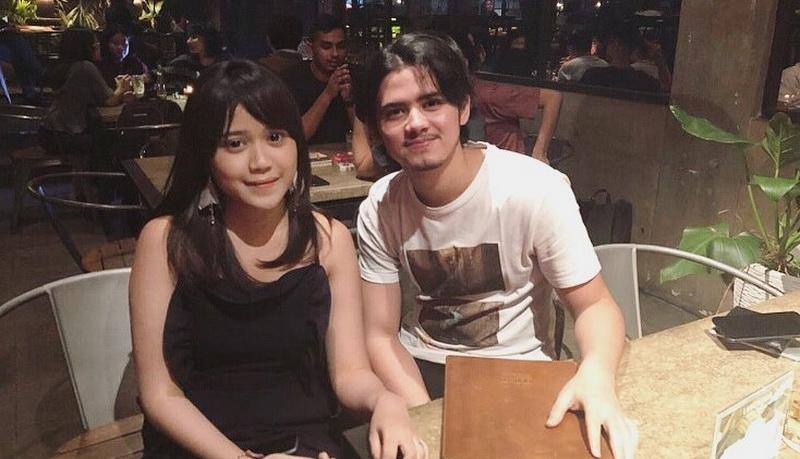 https: img-o.okeinfo.net content 2018 03 07 598 1869045 tereliminasi-dari-indonesian-idol-bianca-jodie-unggah-foto-bersama-aliando-sH5PmB3uM8.jpg