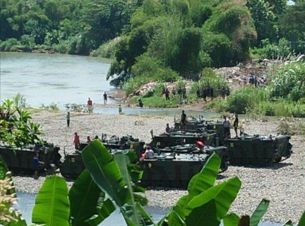 https: img-o.okeinfo.net content 2018 03 11 512 1870948 sebelum-tank-tenggelam-di-sungai-siswa-tk-dikenalkan-helikopter-bW1X8GN9py.jpg
