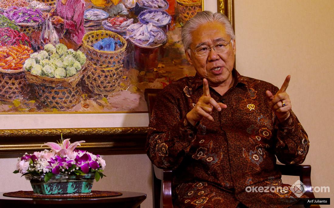 https: img-o.okeinfo.net content 2018 03 14 320 1872702 cerita-mendag-enggar-busana-muslim-indonesia-terkenal-di-dunia-OFrIinwOgv.jpg