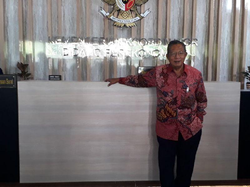 https: img-o.okeinfo.net content 2018 03 14 320 1872881 menko-darmin-lawan-kampanye-hitam-sawit-indonesia-FeBN8FResx.jpg