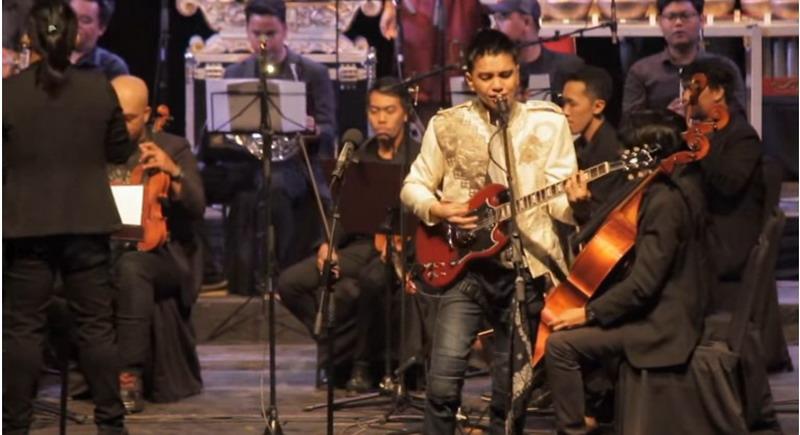 https: img-o.okeinfo.net content 2018 03 14 33 1872916 riki-putra-padukan-gamelan-dan-musik-rock-lewat-album-gamelan-rules-uzenS67bWa.jpg