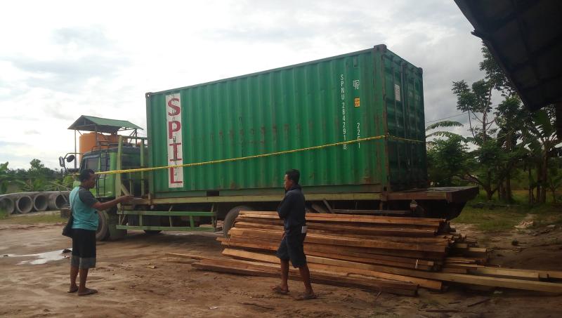 https: img-o.okeinfo.net content 2018 03 14 340 1872620 mobil-tertimpa-truk-kontainer-warga-sampit-tewas-seketika-g8L9fvpwFO.png